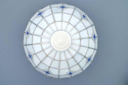 Cibulák tienidlo vitráž k lampovému podstavci / neprolamovanému 35 cm cibulový porcelán, originálny cibulák Dubí 1. akosť