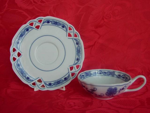 Cibulák šálka + podšálka ozdobná (zrkadlová podšálka) 0,20 l cibulový porcelán, originálny cibulák Dubí 1. akosť