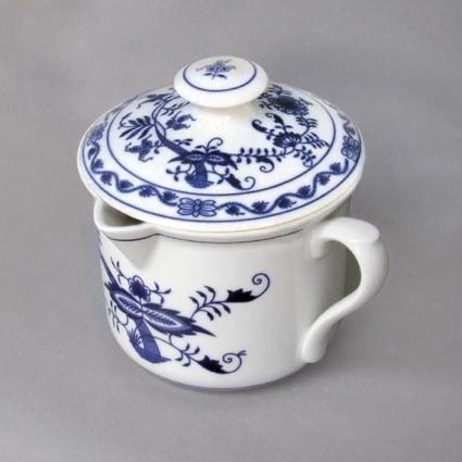 Cibulák hrnček Varák veľký, s náustkom, bočným uchom a vekom 0,90 l cibuľový porcelán, originálny cibuľák Dubí, 1. akosť